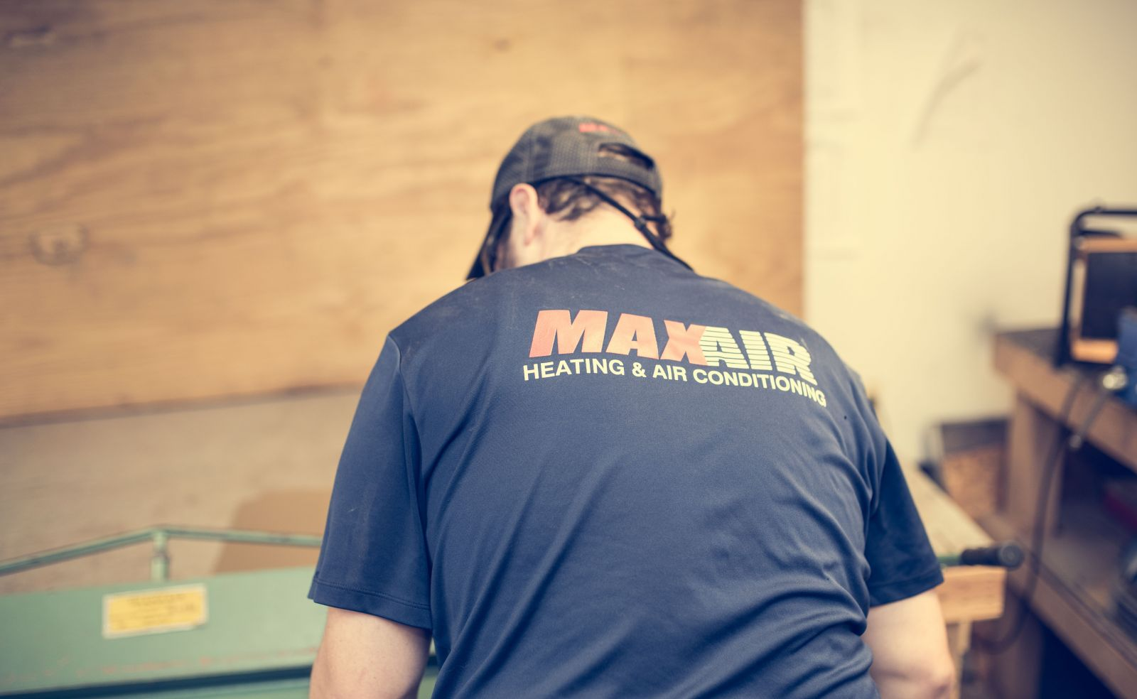 MaxAir Heating & Air Conditioning Contractor working on Carrier Unit